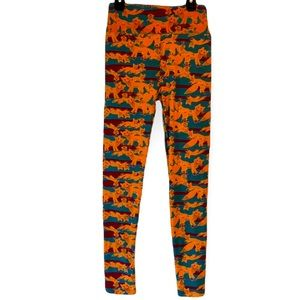 Leggings Foxes Orange One Size LuLaRoe Red and Green Background